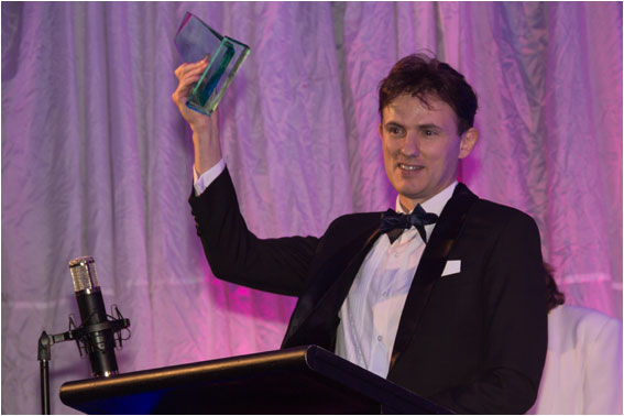 Brotherhood of Auckland Magicians : Andy Wonder Top Children's Entertainer Variety Artists Club of NZ Awards